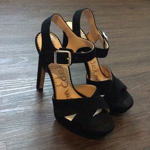Beautiful Sam Edelman black velvet Heels